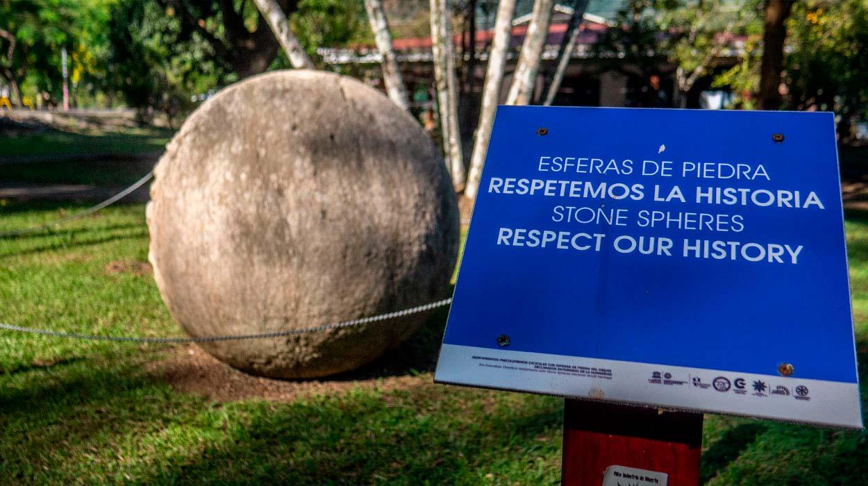 piedra-esferas-costa-rica-museo-penisula-osa